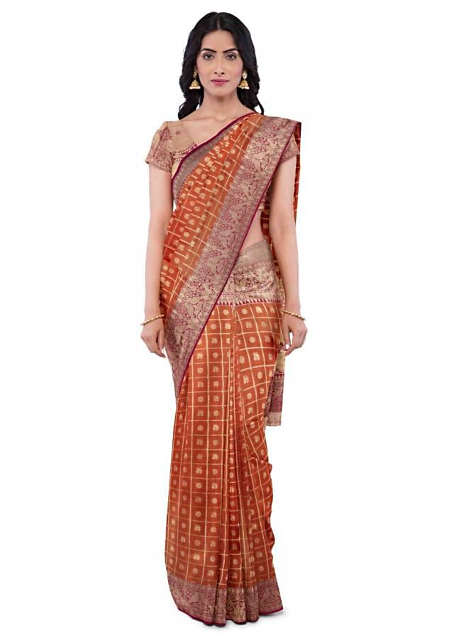 Carrot Orange Saree In Two Toned Banarasi Silk With Coral Pink Blouse Online - Kalki Fashion
