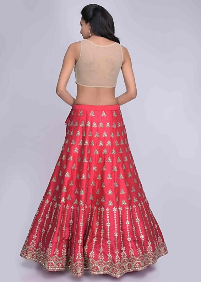 Coral Pink Lehenga Choli In Raw Silk With Red Net Dupatta Online - Kalki Fashion