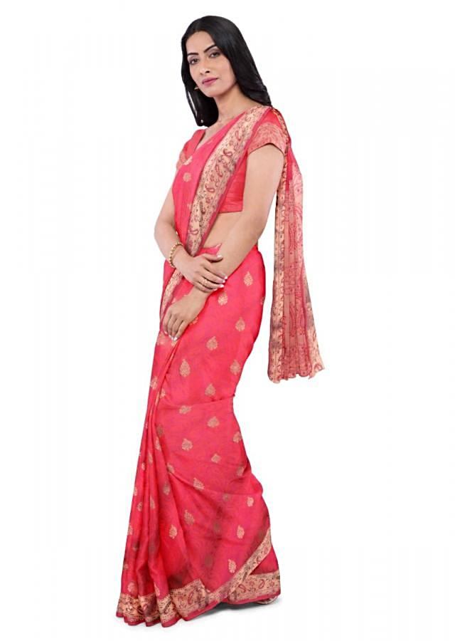 Coral Pink Banarasi Saree In Two Toned Silk Withweaved Paisley Buttis Online - Kalki Fashion