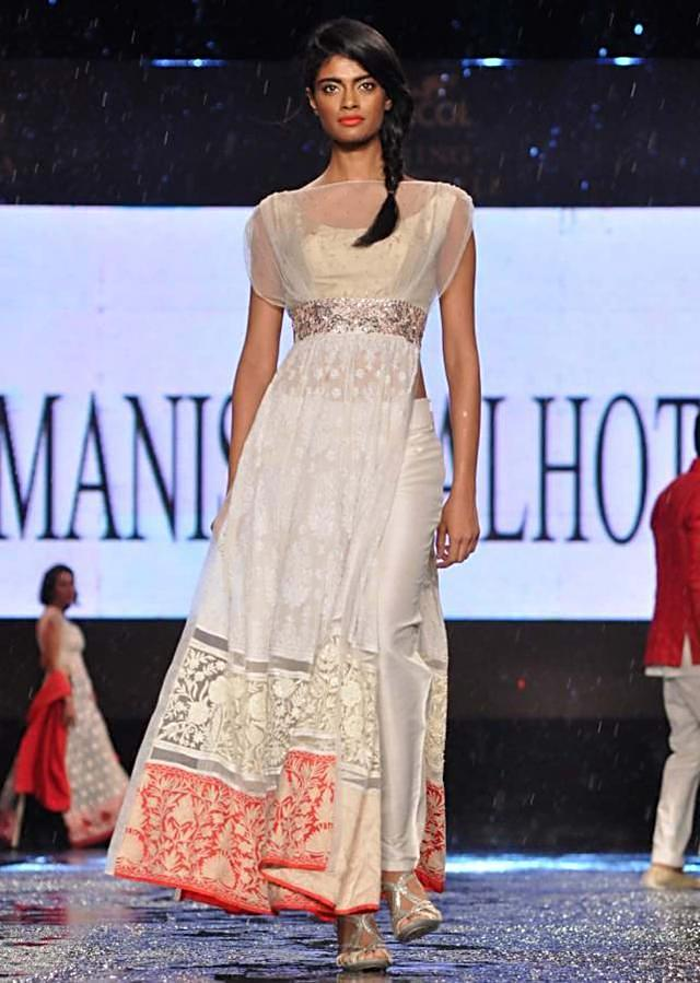 CPAA Fachion Show 2013 by Manish Mlahotra 08