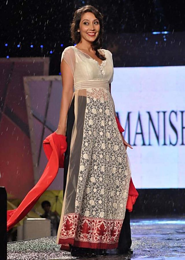 CPAA Fachion Show 2013 by Manish Mlahotra 09