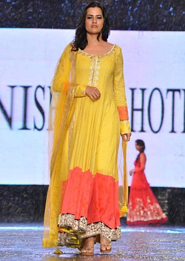 CPAA Fachion Show 2013 by Manish Mlahotra 13