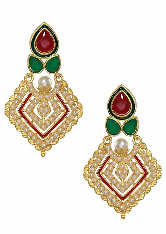 Traditional diamond shaped earrings studded with pearls.