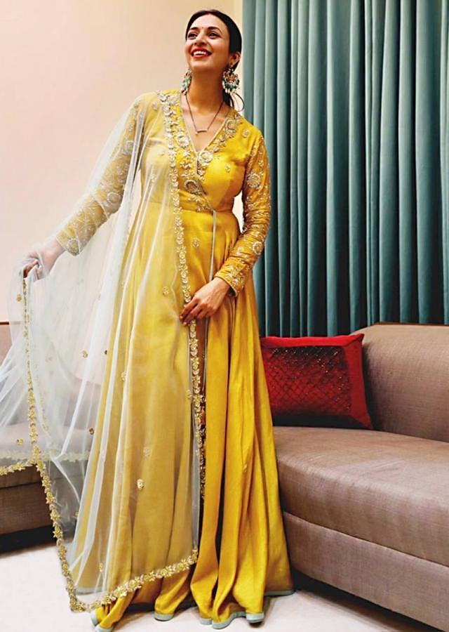 Divyanka Tripathi In Kalki Yellow Raw Silk Angrakha Style Suit With Powder Blue Net Dupatta