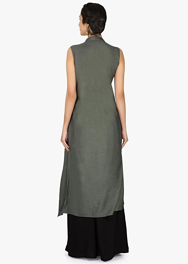 Grey straight suit with embroidered broach and fancy drape only on Kalki