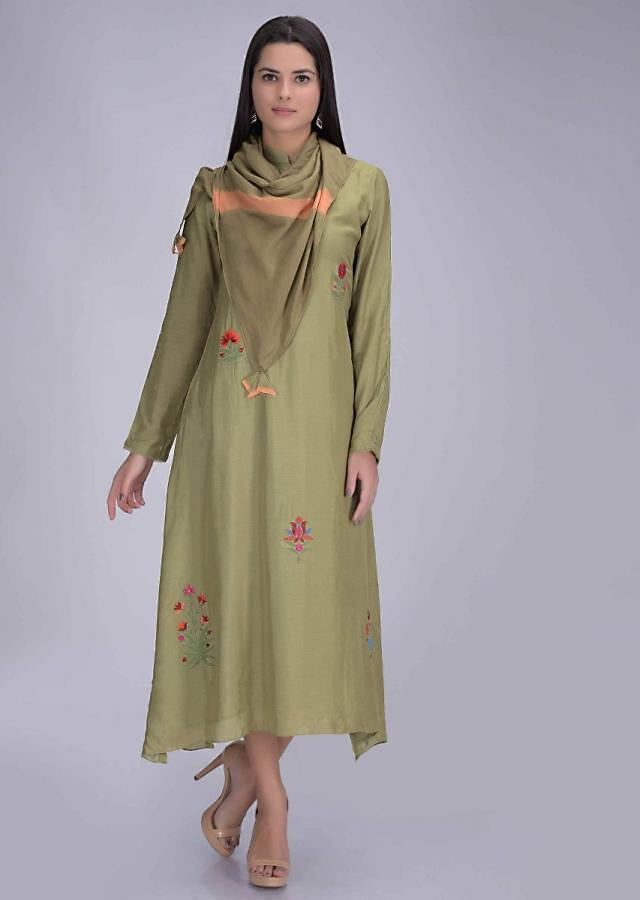 Guacamole Green Tunic In Cotton With Matching Scarf Online - Kalki Fashion