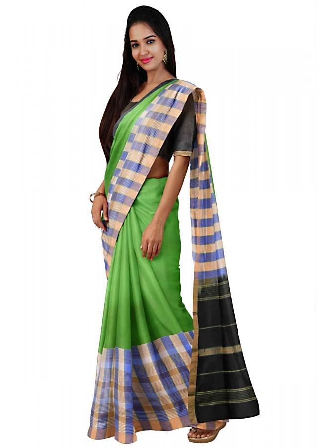 Kelly Green Saree In Banarasi Silk With Black Pallu And Black Unstitched Blouse Online - Kalki Fashion