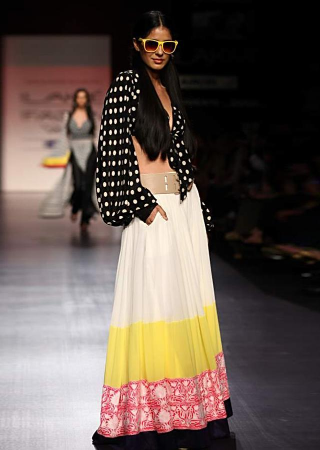 Lakme Fashion Week 2013 Collection by Manish Malhotra 15