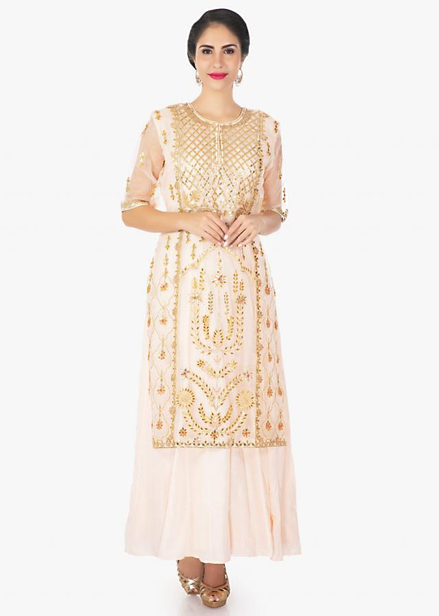 Light Peach Top In Organza Silk Matched With Cotton Inner And Chiffon Dupatta Online - Kalki Fashion