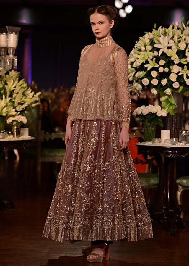 Manish Malhotra heavy ethnic collection inspired bythe silhouettes of royality at PCJ Delhi Couture Week 2013 MM60