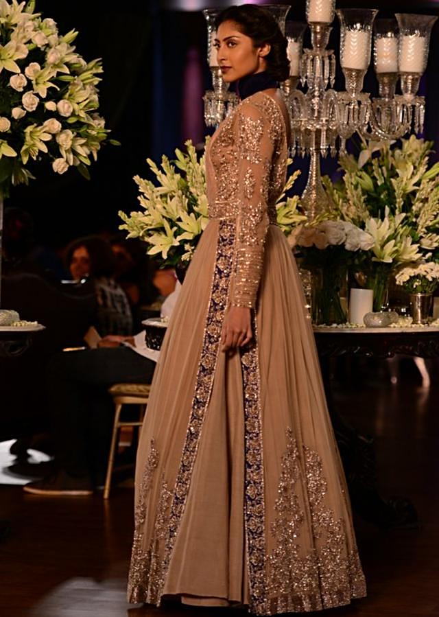 Manish Malhotra heavy ethnic collection inspired bythe silhouettes of royality at PCJ Delhi Couture Week 2013 MM61