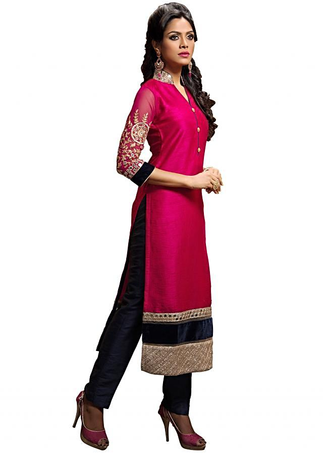 Mauve straight suit adorn in mirror embroidery