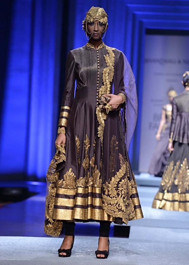 Models showcasing Shantanu and Nikhil collection at Indian Bridal Week Nov 2013 at Mumbai 10