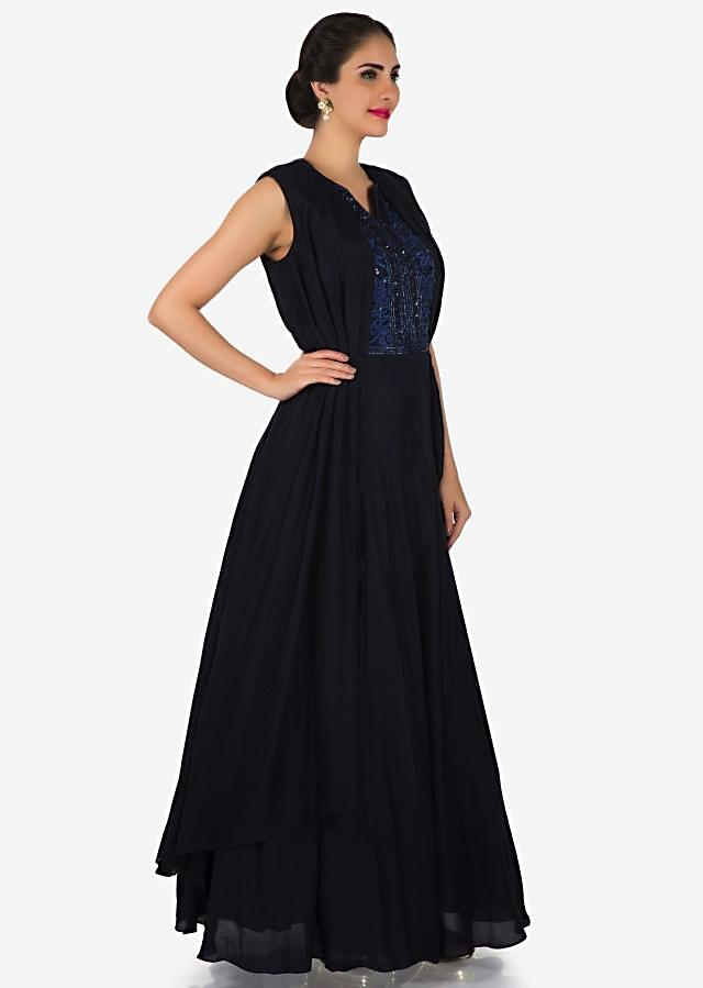 Navy blue gown in silk adorn in pleats and embroidered placket only on Kalki