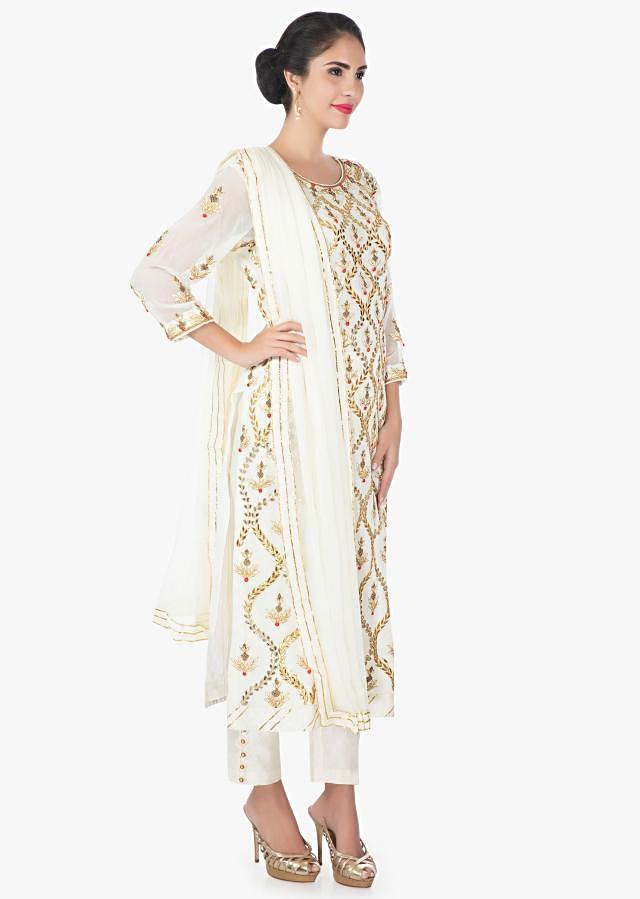 Off White Suit In Georgette With A Straight Pant And A Chiffon Dupatta Online - Kalki Fashion