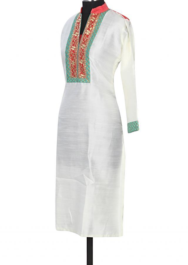 Off white kurti featuring with gotta patti lace only on Kalki