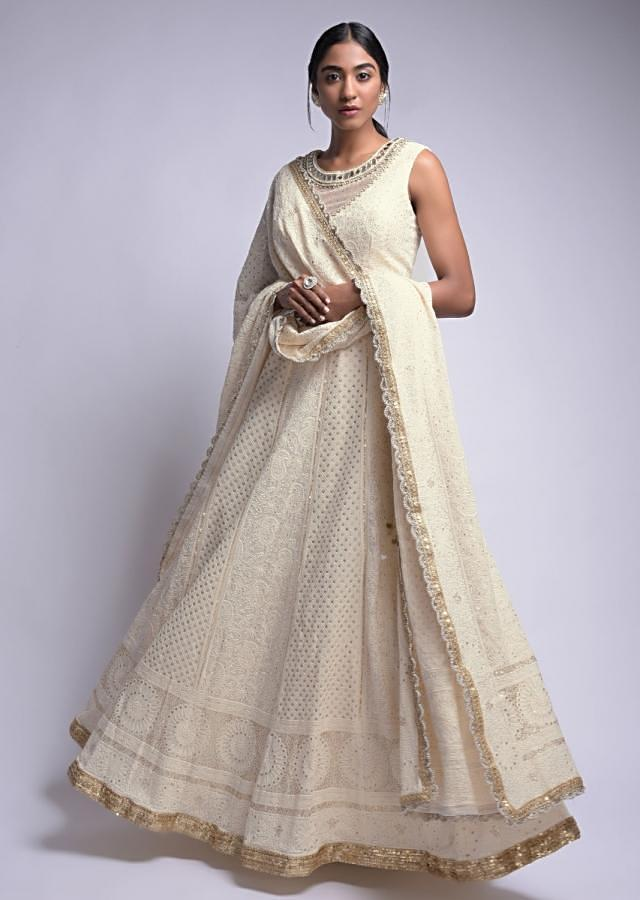 Off White Lehenga Choli In Georgette With Lucknowi Work In Checks And Paisley Pattern Online - Kalki Fashion