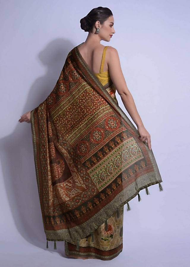 Oyster Beige Saree In Silk With Multi Colored Print In Floral Motifs Online - Kalki Fashion