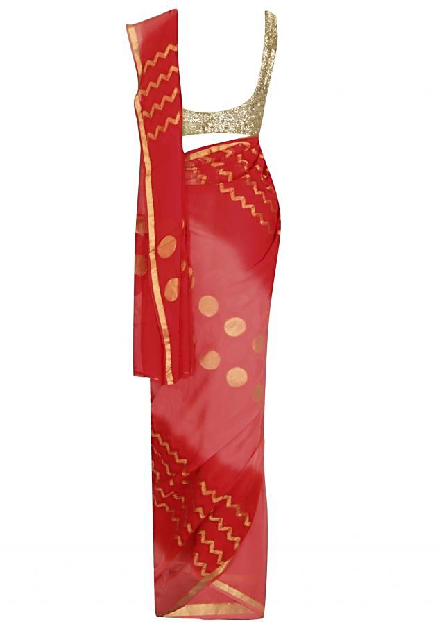 Peach saree enhanced in weaved pallav all over only on Kalki