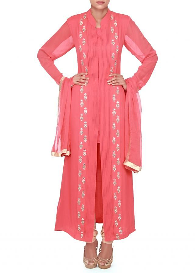 Peach straight suit adorn in pleats and kundan embroidery only on Kalki