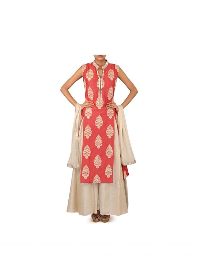 Peach straight suit adorn in thread embroider butti only on Kalki