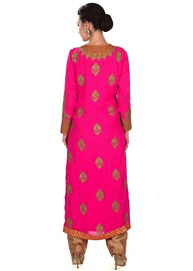 Pink straight suit adorn in zari butti and placket only on Kalki