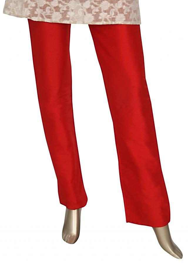 Red cigarette pant featuring in silk