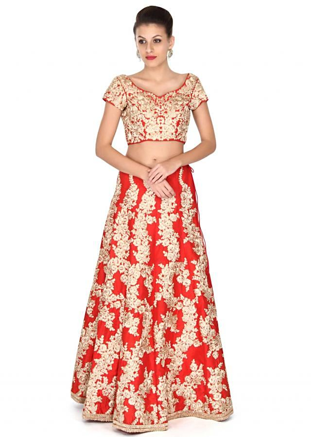 Keshwar Merchant in kalki red embroidered lehenga for pre Wedding shoot