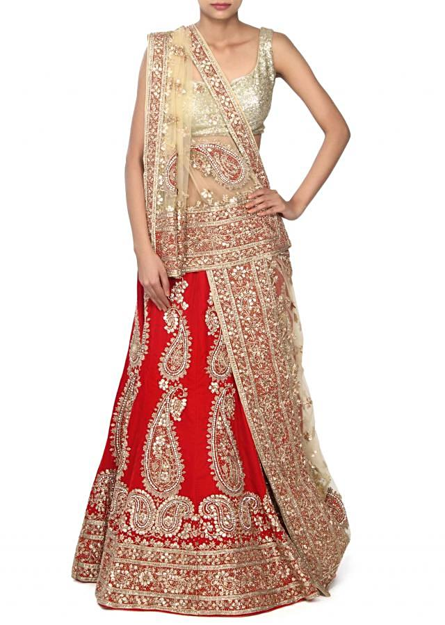 Red unstitched leehgna adorn in paisley motif work only on Kalki