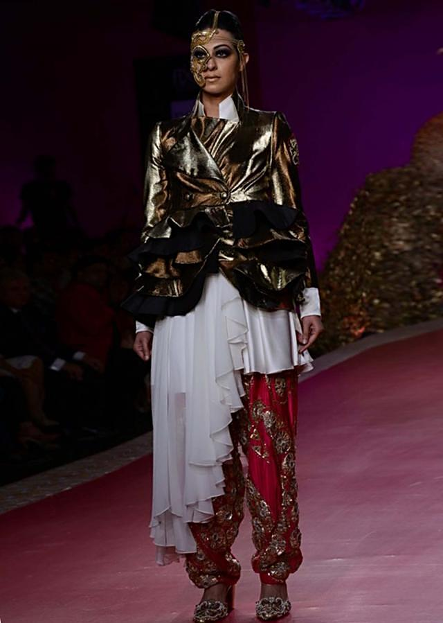 Ritu Beri Collection inspired from the culture of punjab at PCJ Delhi Couture Week 2013 RB19