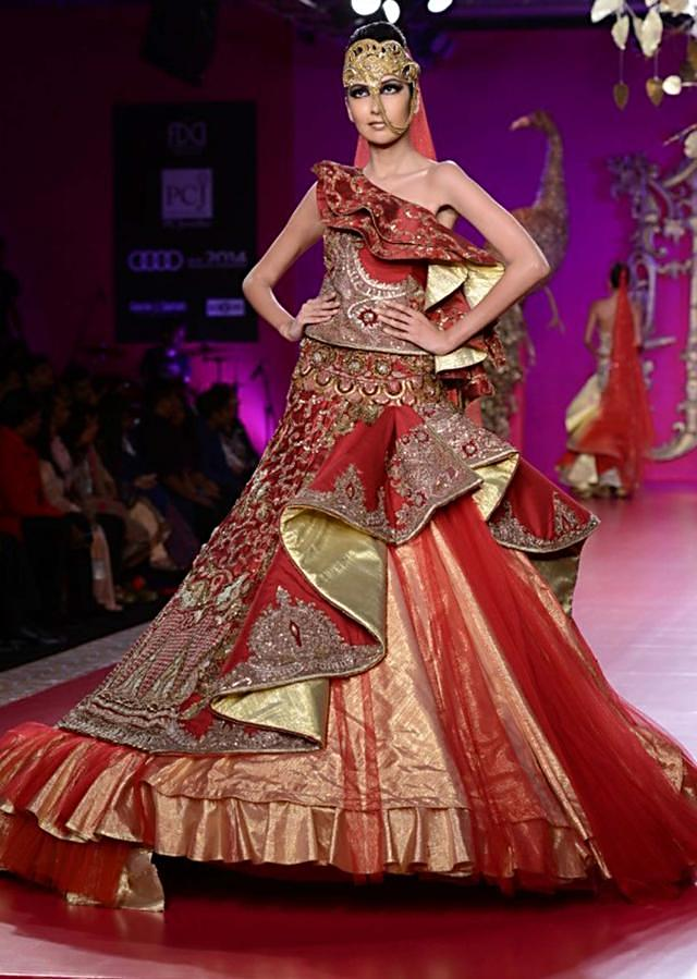 Ritu Beri Collection inspired from the culture of punjab at PCJ Delhi Couture Week 2013 RB27