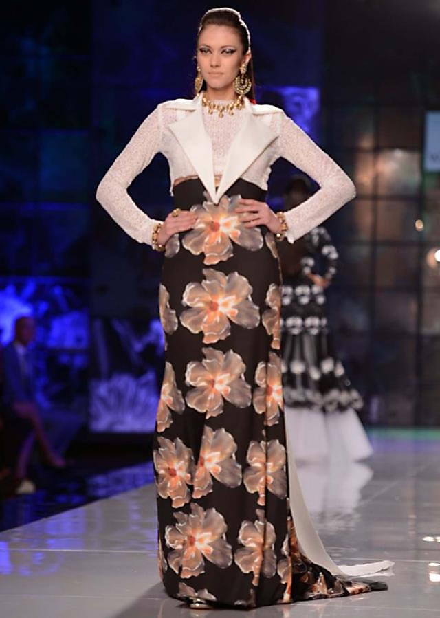 Satya Paul and Masaba Demi Couture collection at the PCJ Delhi Couture Week 2013 S30