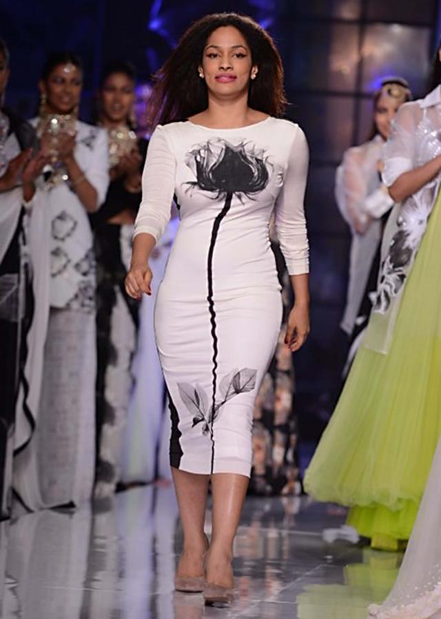 Satya Paul and Masaba Demi Couture collection at the PCJ Delhi Couture Week 2013 S52