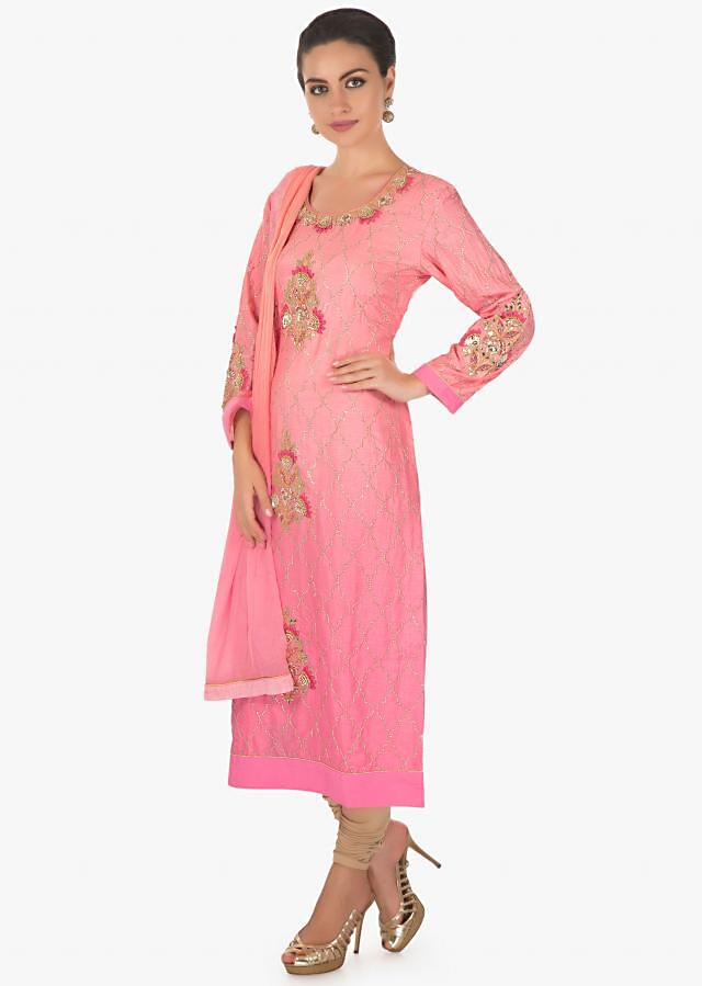 Shaded Pink kurti in cotton with a matching chiffon dupatta only on kalki