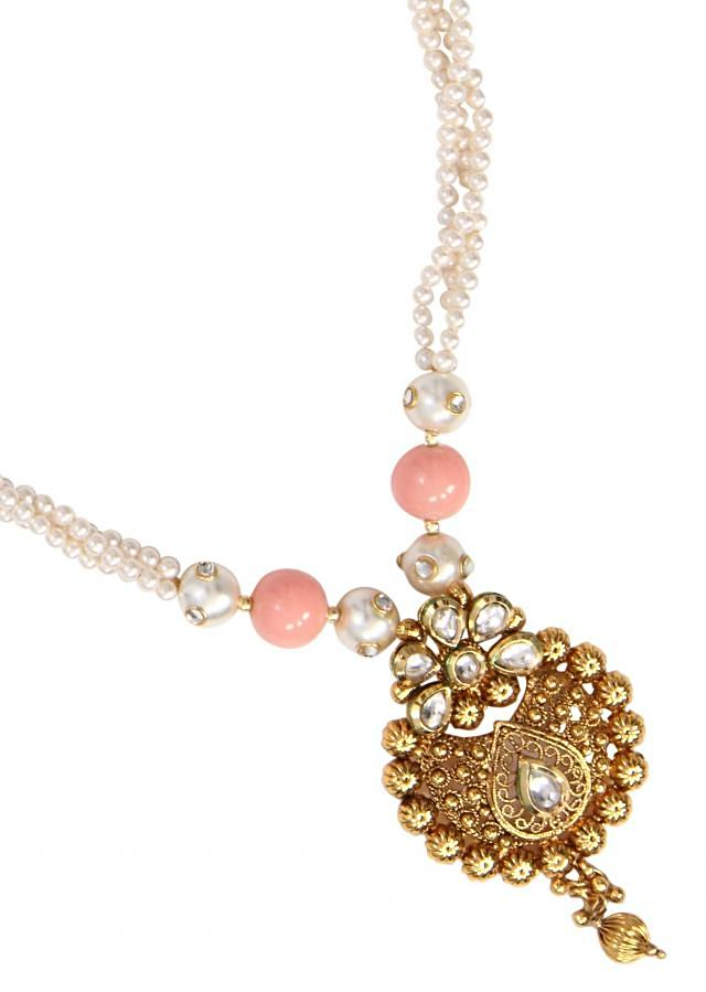 Soft touch of pink to add in our traditional malas to make it a different and stylish combination only on Kalki