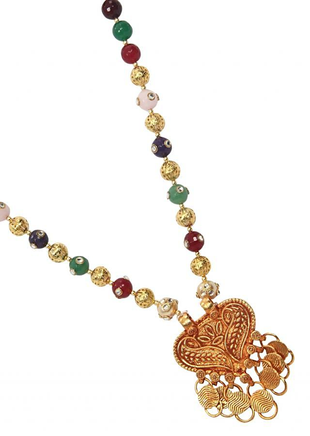 Temple jeweler with little western colors only on Kalki