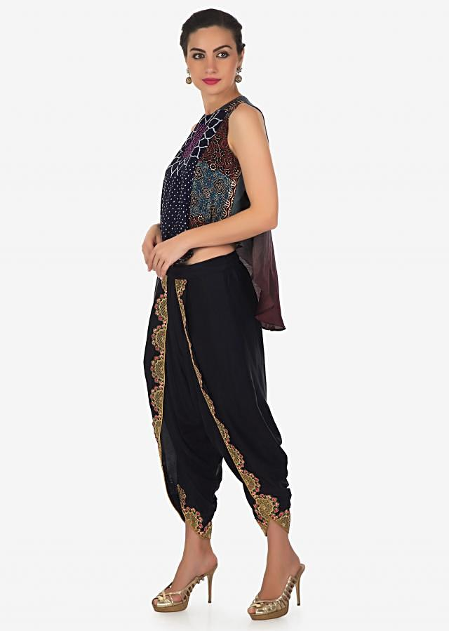 Top featuring with front short and back long in bandhani print