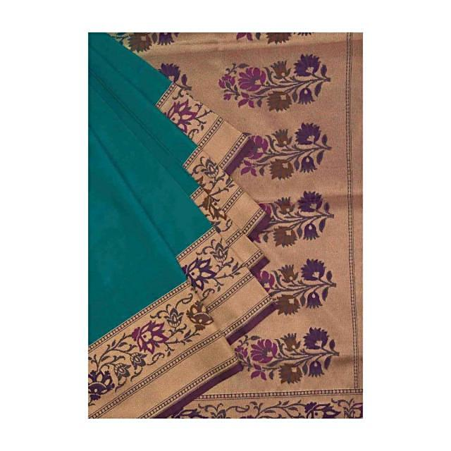 Turq blue saree featuring with floral motif border and pallav only on Kalki