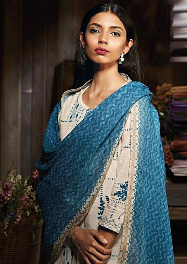 Cream Unstitched Suit In Cotton With Floral Print And Kundan Work Online - Kalki Fashion