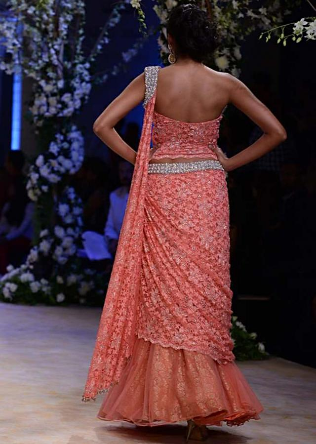 Urnashi Rautela and other models walk the ramp for Jyotsna Tiwari at Indian Bridal Week NOV 2013 at Mumbai 09