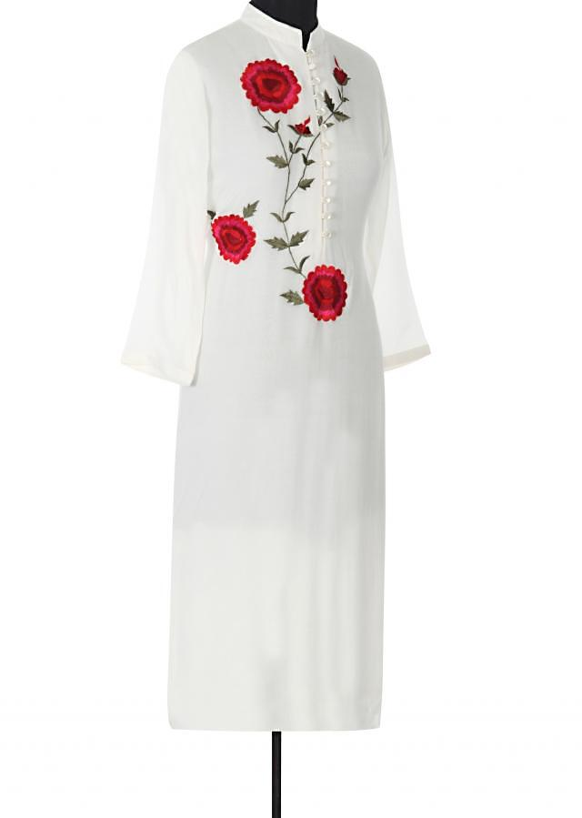 White kurta adorn in resham embroidery in rose motif only on Kalki