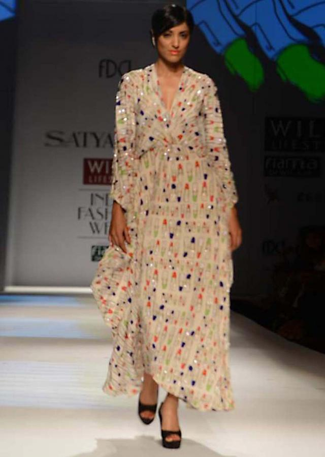 Wills Fashion Week 2013 Collection by Satyapaul 01