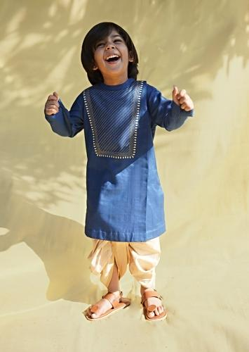 Blue Kurta And Dhoti Set In Hand-woven Cotton Silk With Delicate Embroidery On The Yoke By Tiber Taber