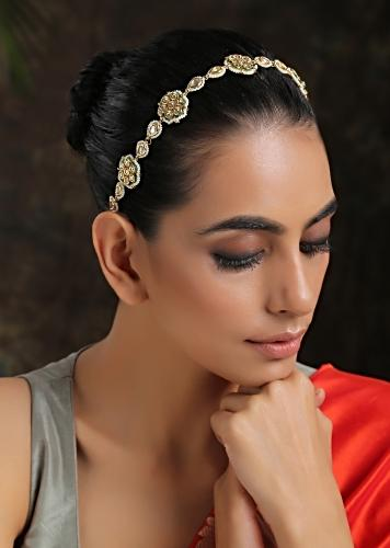 Gold Plated Headband With Uncut Polki Arranged In Floral Motifs Along With Moti Detailing On The Edges By Paisley Pop