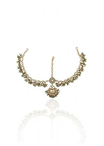 Gold Plated Mathapatti With Kundan And Green Beads In Flower And Chand Motif By Riana Jewellery