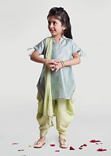 Green Cowl Pants And Sea Green Kurta Set With Foil Print Detailing By Mini Chic