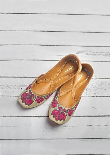 Blush Beige Juttis In Linen Hand Embroidered With Dual Colored Resham Thread And Zari By Vareli Bafna
