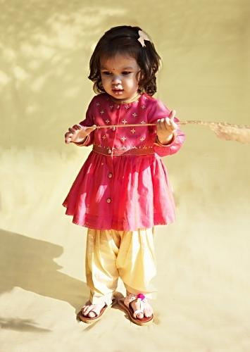 Pink Peplum Kurti And Dhoti Set In Hand-woven Chanderi Silk With Butti Embroidery By Tiber Taber