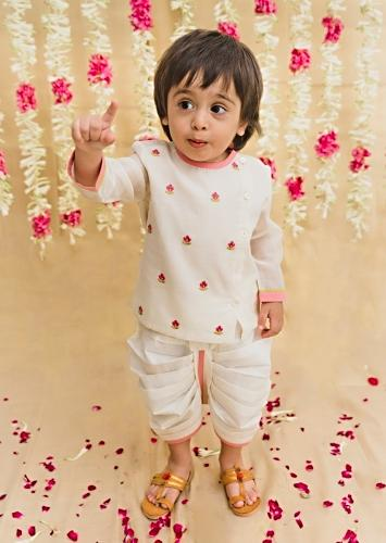 White Kurta And Dhoti Set In Chanderi Cotton Silk With Zari Embroidered Floral Butti Work By Tiber Taber