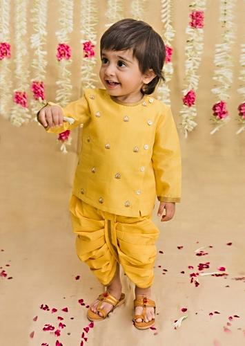 Yellow Kurta And Dhoti Set In Chanderi Cotton Silk With Zari Embroidered Floral Butti Work By Tiber Taber